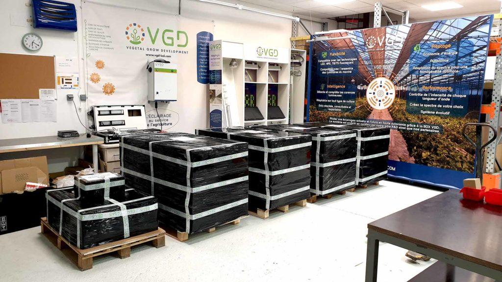 Entrepot VGD palette luminaires avant expédition commande